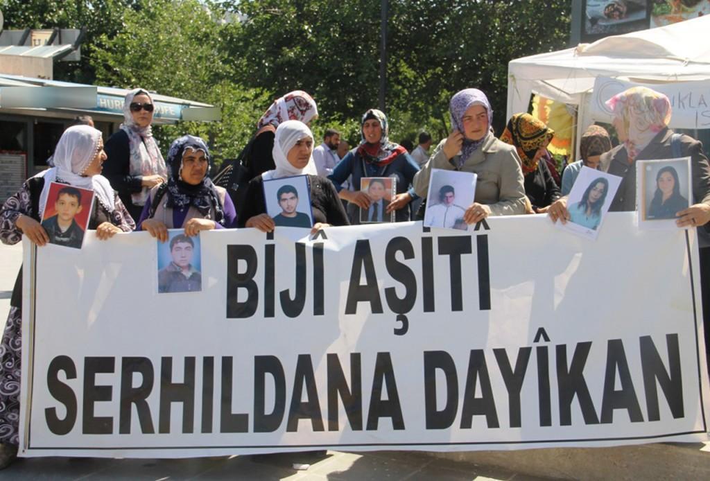 BDP Acılı Annelere Sessiz